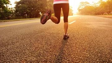 10 motive să începi să alergi